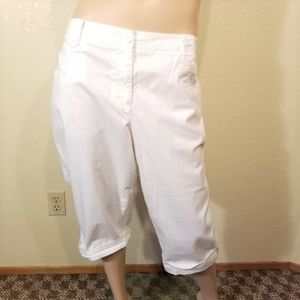 Lane Bryant 22 White Cropped Capri Pants